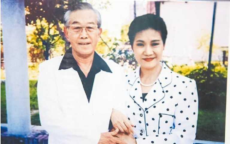 高振鹏(左)当年与吴静娴合拍《星星知我心》。(图/报系资料照)