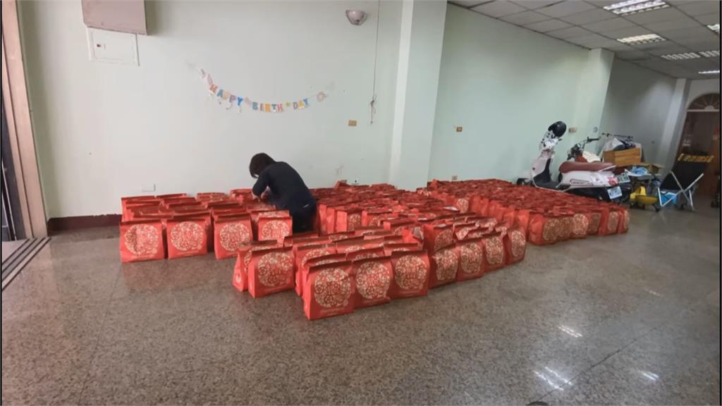 貧窮限制想像? 砸5萬買280個福袋 超狂開箱曝光