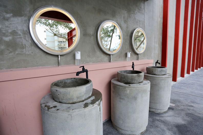台泥DAKA內的設施都呈現水泥工藝之美。張智傑攝