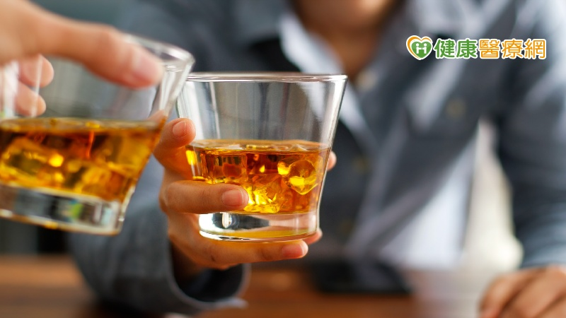 男性比女性不容易酒醉? 五個常見的飲酒迷思