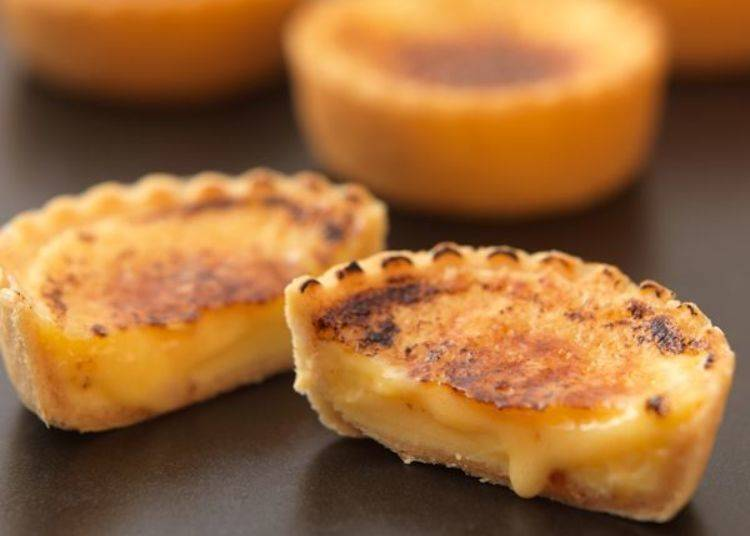 於店鋪內現場烘烤表面的「現烤馬斯卡彭乳酪布蕾撻」。