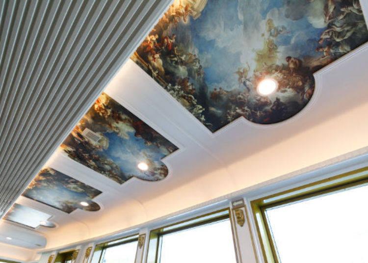 ▲天花板繪有14幅內容不太相同的天使畫作,增添無限幻想
