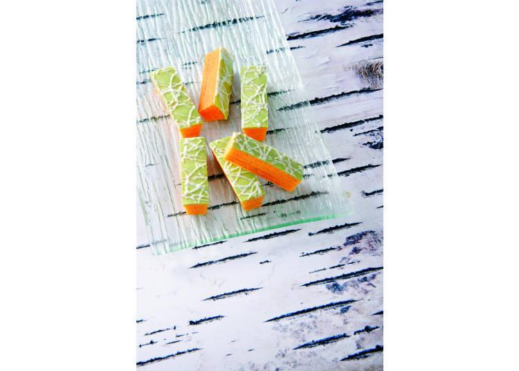 哈密瓜口味的三方六是柳月夏季限定商品,讓視覺與味覺都能一同感受北海道的夏天。
