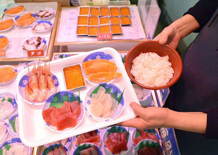 ▲右上順時鐘方向分別為鮭魚、干貝、鮪魚、甜蝦、鮭魚卵