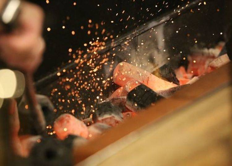▲火力保持在大火狀態,嚴選使用食材不易沾染到炭火煙雜味的炭