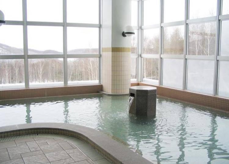 飯店溫泉溫泉是弱鹼性泉質的溫泉,對皮膚很溫和,非常舒服!