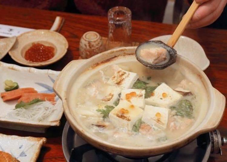 不用多說,這便是與在家裡自行製作的石狩鍋品嘗起來不同的最大原因!實在是太美味了,讓人欲罷不能停不下筷子!