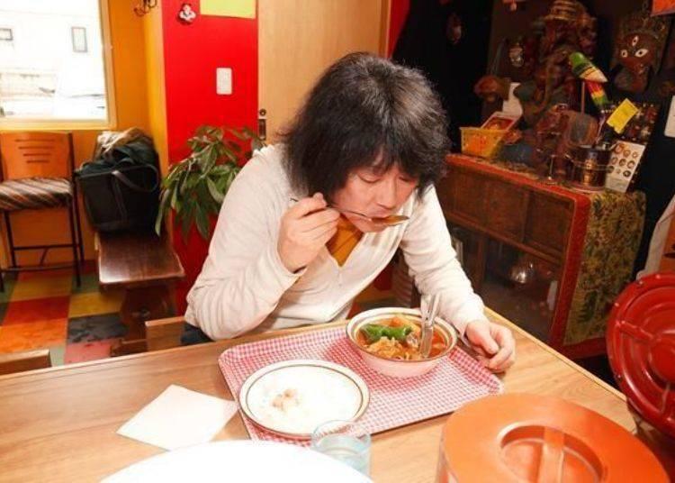 ▲元祖湯咖哩就像是在吃油脂和辛香料般