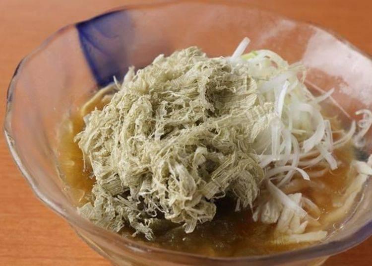 夏季限定的菜單「冷鹽拉麵」(900日圓)。