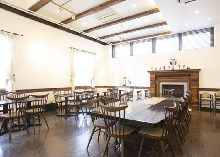 可於2樓舒適悠閒的享受午茶甜點時光。