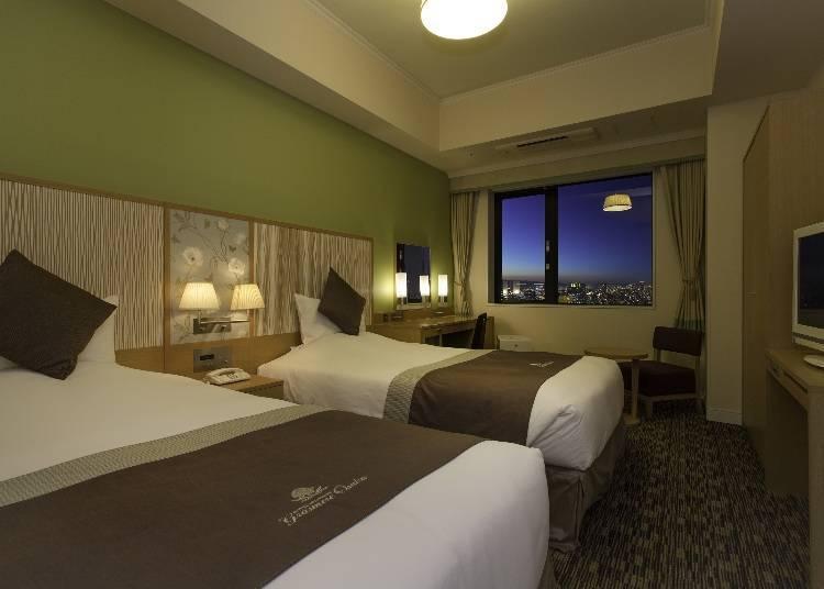 「基本雙床房」給予明亮柔和的印象