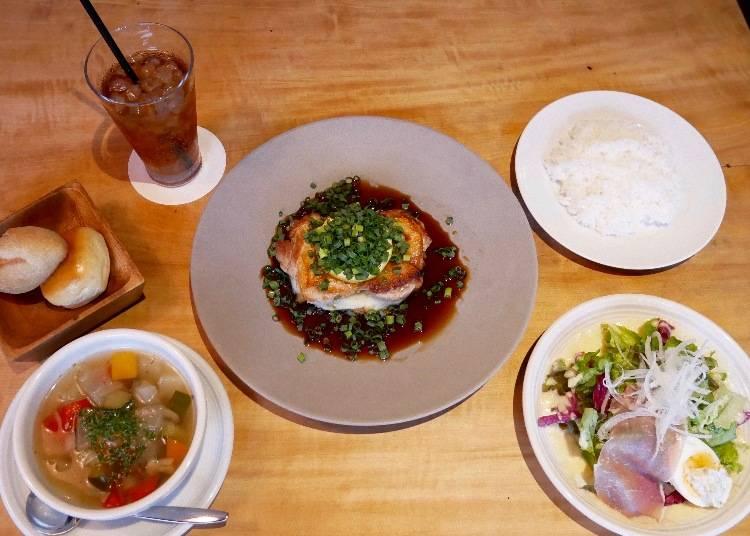 鹿兒島產薩摩雞腿排(鹿児島産さつま鶏)午間套餐 1680 日圓(未稅)