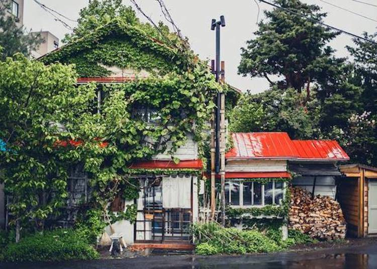▲利用舊民宅改裝成咖啡店的「森彥」(照片提供:アトリエ・モリヒコ)