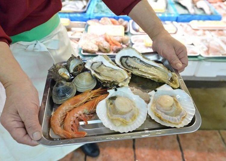 ▲1,500日圓的七輪組合,牡蠣超大顆!