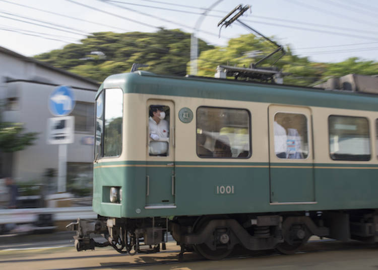 不愧是專業攝影師吉永先生!利用PANNING技巧,壓著快門鍵,用鏡頭追電車所拍下這張充滿動感的照片!江之電散步的最後一站當然就是要踩一下超級有名的景點:鎌倉高校前站~ 這一天真的走了好多路,吃了好多美食,有夠充實的(笑)