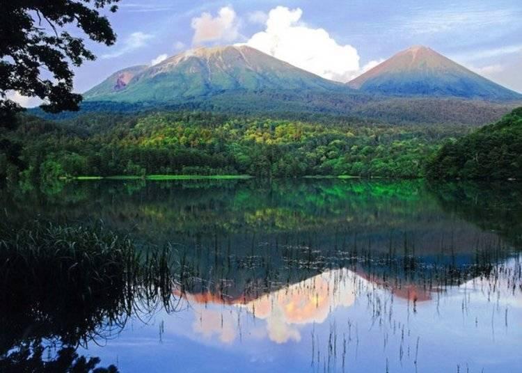 ▲夏季是最適合自駕觀光的季節,黃昏時更能看見樹木鮮綠映照在湖面上宛如油畫般的模樣/照片提供:Ashoro Tourism Association