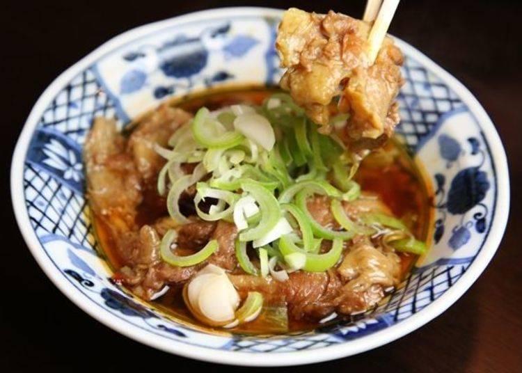 ▲加在清爽高湯中的牛筋十分的嫩,感覺就像會化開般的軟嫩,辣椒的風味略帶點刺激。可以嘗到與日式烤雞串不同的牛肉的美味。