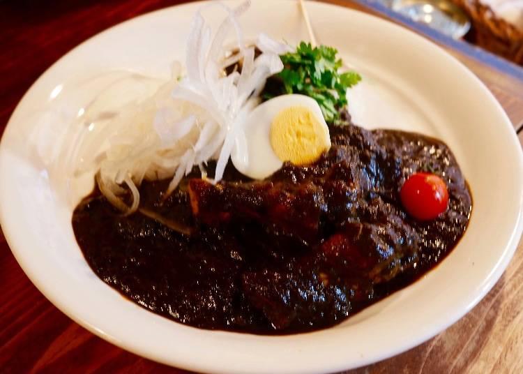 黑雞肉咖哩(ブラックカレー)900日圓(未稅)