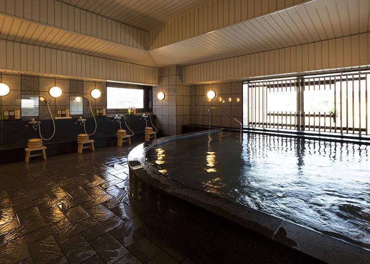 寬廣的大浴場