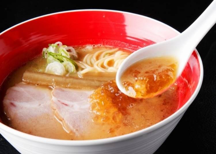 ▲「魚豚骨醬油」(850日圓‧含稅),湯凍顯得很搶眼!
