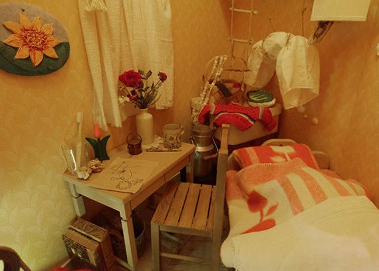 ▲小不點的房間所有東西都是迷你尺寸,床鋪看起來亂糟糟的或許是因為小不點睡過的關係?