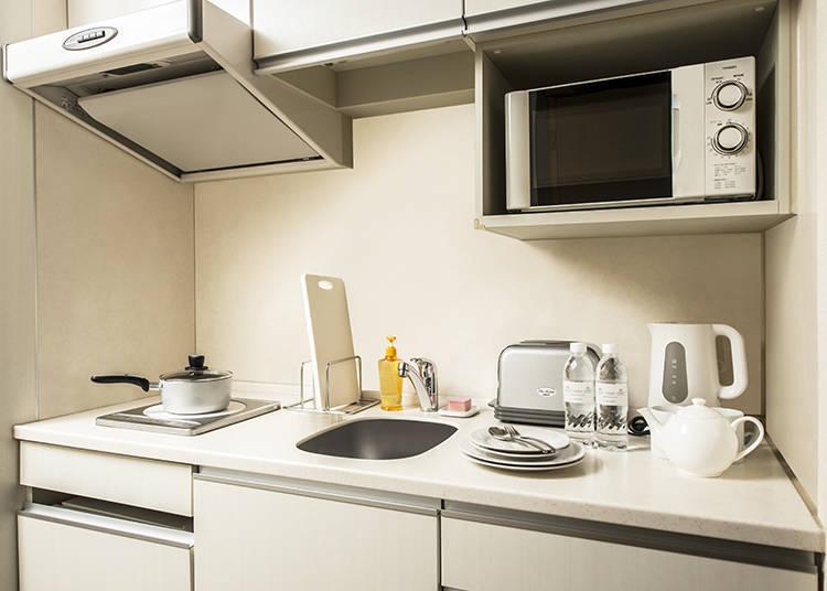 廚房備有餐具和調理器具,但由於未提供調味料,建議與食材一併購買