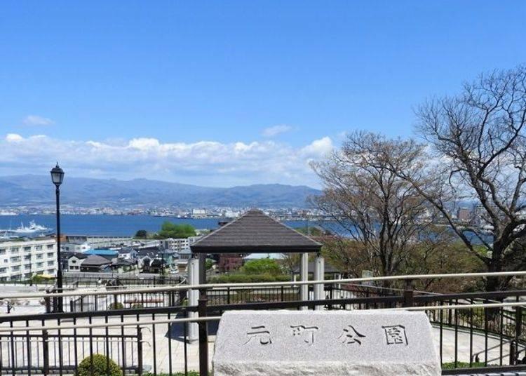 ▲位於高處的元町公園可眺望到美麗的函館港口與街道美景。