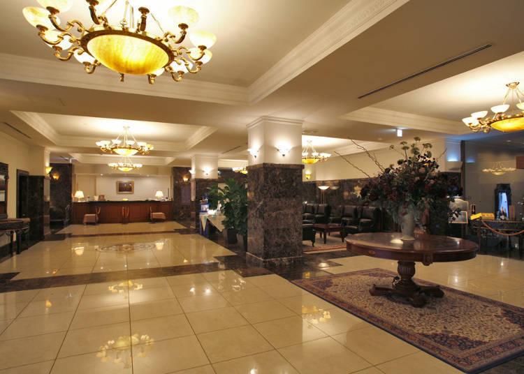 飯店館內仿造維也納的城堡,有莊嚴隆重的感覺。