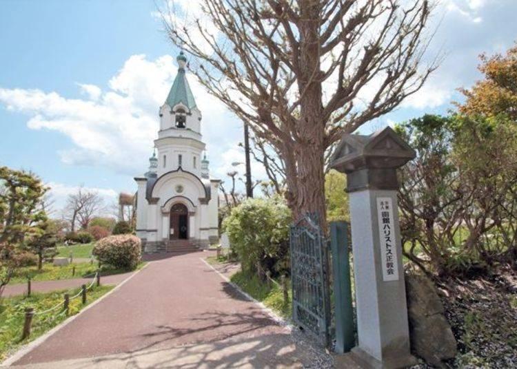 ▲走上階梯、以逆時針方向繞聖堂90度後就是正面的教堂了!美的簡直就像一幅畫!
