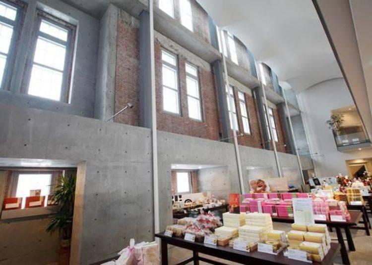 ▲南面牆壁的內側保留了從前的紅磚裝潢