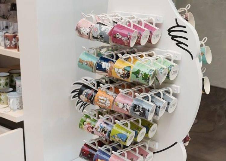 ▲相當吸引人的「嚕嚕米樂園限定ARABIA製馬克杯(「ムーミンパーク限定ARABIA製マグカップ)」,由於是搶手商品的關係有時甚至會出現缺貨的情況,可以在官方網站上查閱最新商品數量情報。