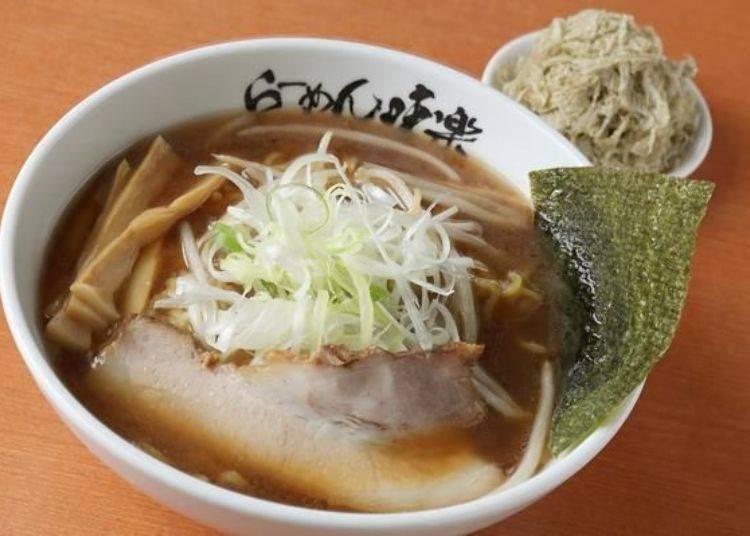 日本全國各地的熱愛拉麵人士前仆後繼地前往北國的離島-利尻島,就為了品嚐這碗拉麵。