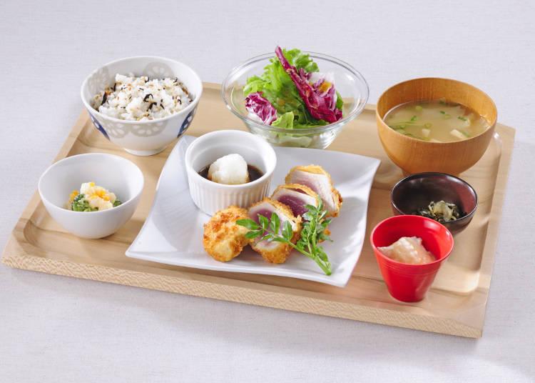 炸長鰭鮪魚 蘿蔔泥柚子醋定食(含稅1296日圓)