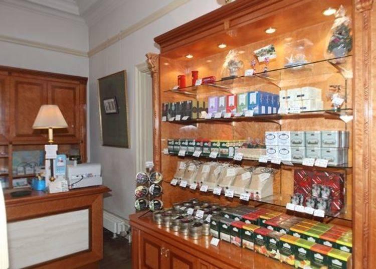 ▲位於餐廳旁的商店內販賣了許多紅茶及茶具等能感受到英式傳統文化氛圍的進口雜貨產品。