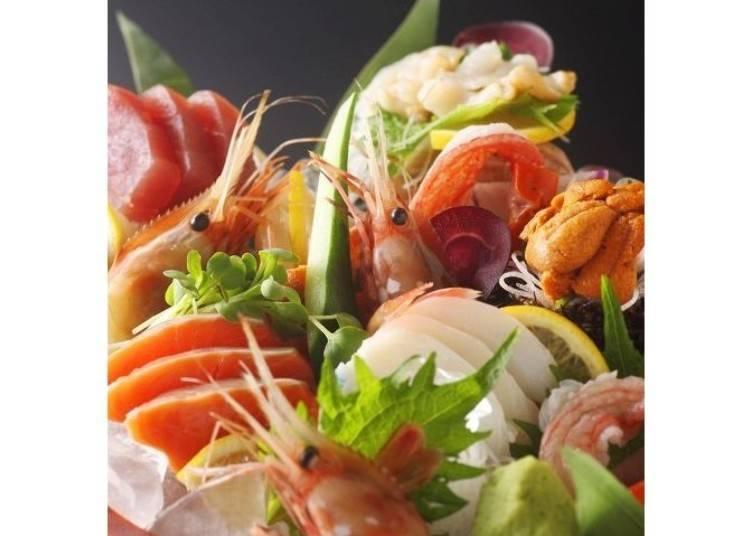 「桶盛」生魚片,有5種綜合1078日圓、8種綜合3032日圓。