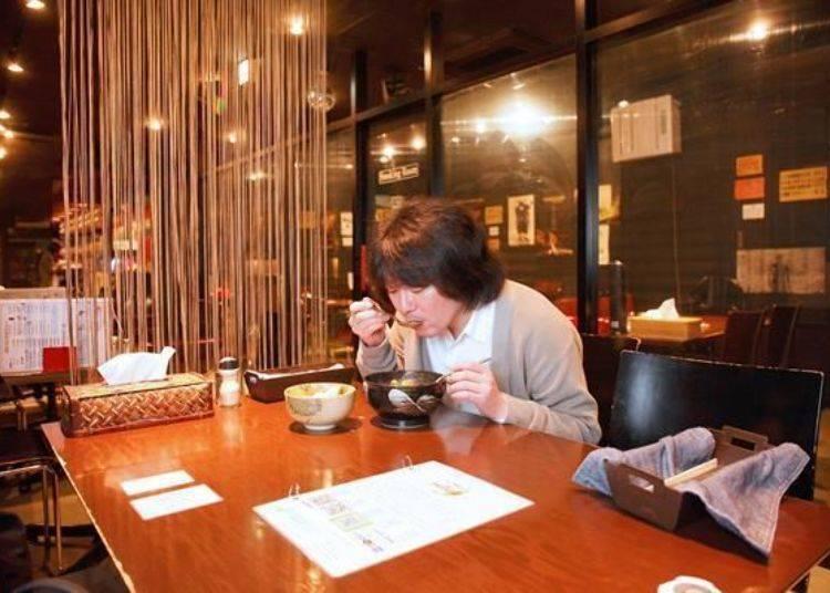 ▲在令人想來杯酒的空間設計中來碗美味至極的湯咖哩吧!