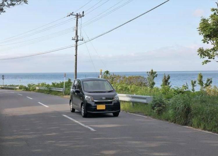 開車自駕遶行島內一周大約僅需花費一個多小時。不過考慮到拍攝照片及走走逛逛的時間,保留半天時間會比較不匆忙。