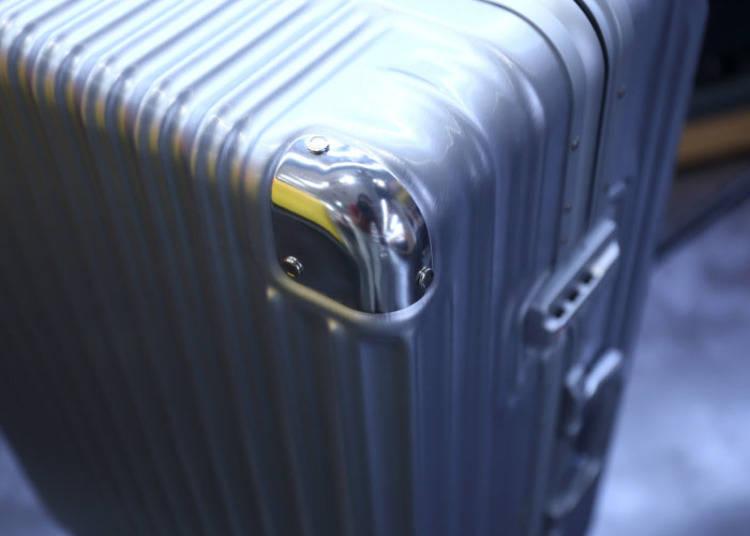 加固強化了行李箱的四角