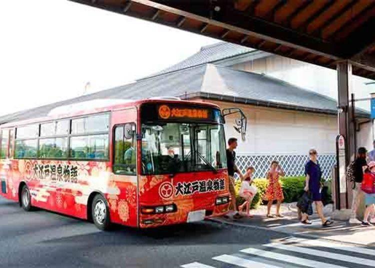 ▲免費接駁巴士。還有5個系統巡迴巴士是可以到達御台場大江戶溫泉,是以東京站、品川站、新宿站、東京電訊港站、錦系町•江東地區等為出發地點與回程到站的下車地點,交通方面非常方便!