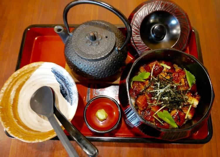 鰻魚兩吃茶泡飯(ひつまぶし)800日圓(普通)900日圓(鰻魚加料1.5倍) 1000日圓(鰻魚特別加料2倍)本照片為鰻魚增量2倍的份量