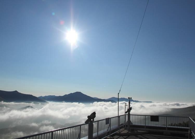 【夏】7~8月夏季的早晨從展望台有很高的機會可以看到雲海