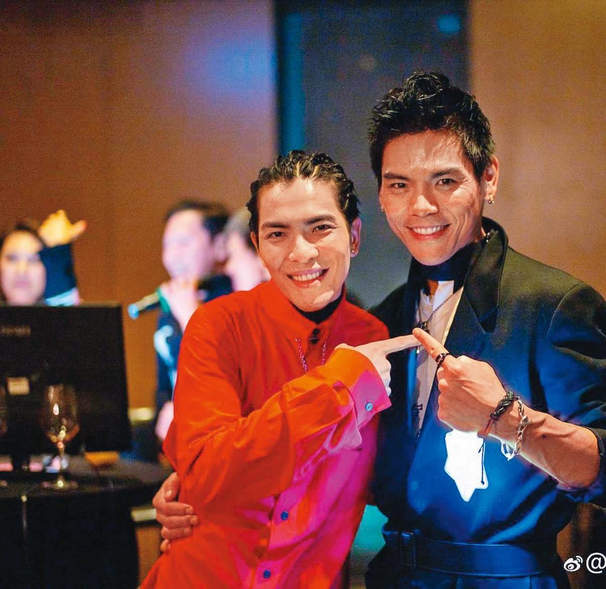 向太的乾兒子是蕭敬騰(左),他跟向佐(右)親如兄弟, 眾所矚目的「世紀產女」,自然不忘第一時間與女友赴醫院致意。