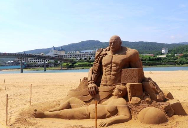 沙雕作品/文明演化。圖:交通部觀光局/提供