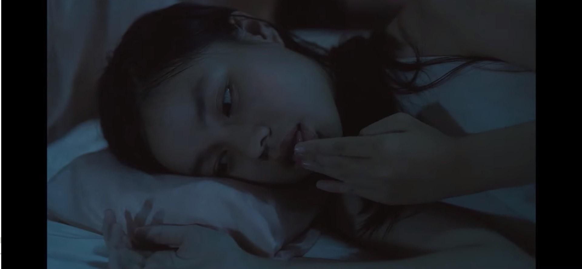 ▲阮芳茶媚演出《小三妻》才12歲。(影片截圖)