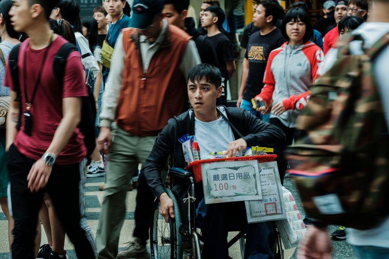 ▲鄭人碩(中)主演的《親愛的殺手》入選香港電影節新秀競賽。(圖/威視)