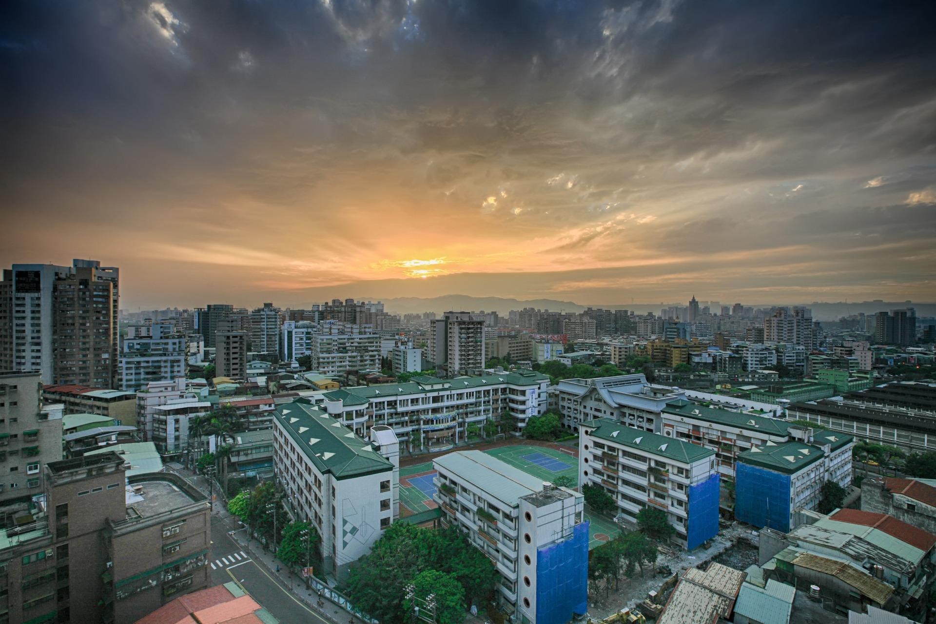 ▲根據台北市店面去年1-11月實價登錄資料,交易占比第一名為大安區。(示意圖/Pixabay)