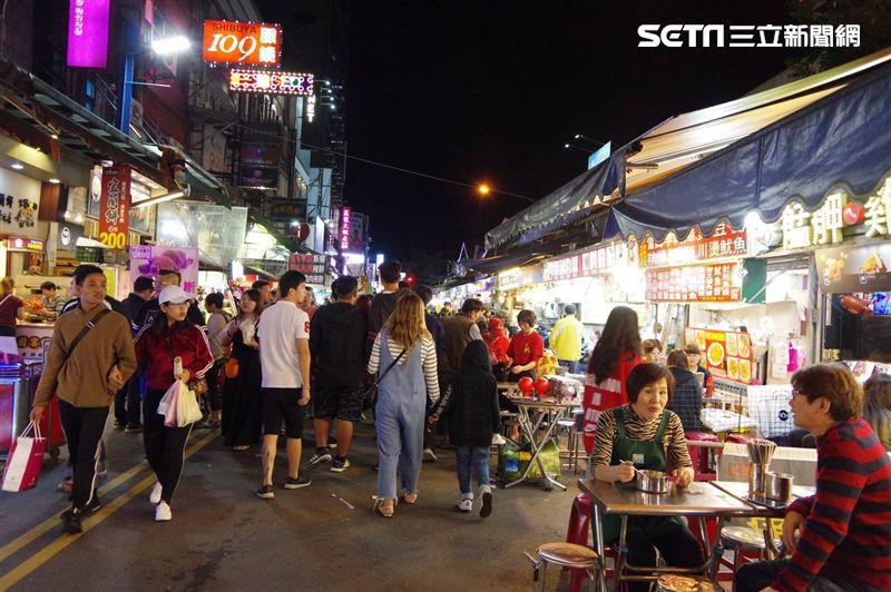 期待台小吃…韓國女孩一到夜市卻傻眼 - Yahoo奇摩新聞