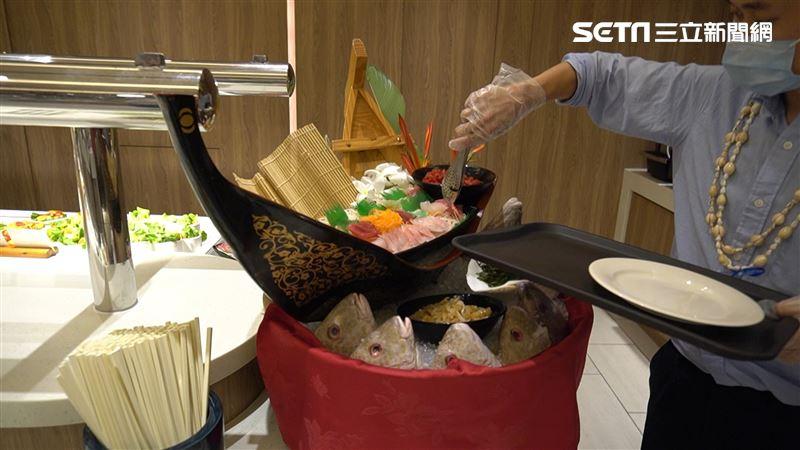 帛琉直擊/飯店自助餐免噴酒精戴手套