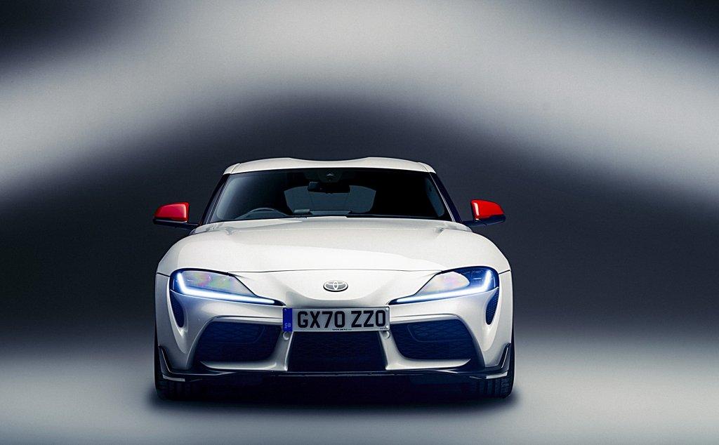 TOYOTA GR Supra 2.0升入門款英國現身,同樣操駕有力但車價卻便