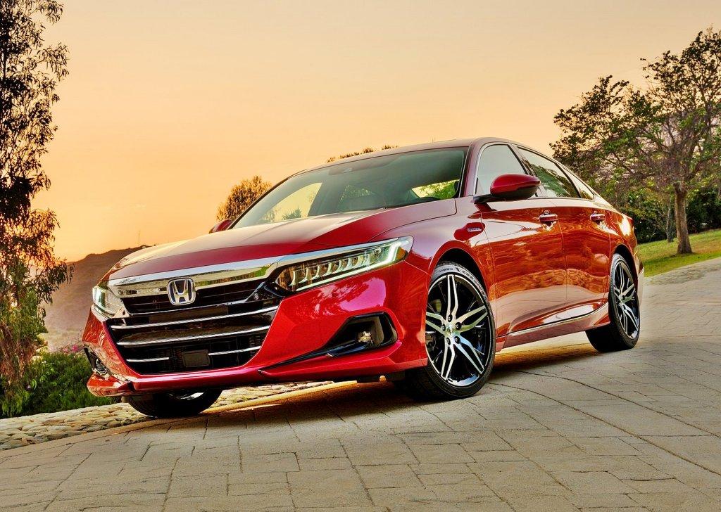 2021年式小改Honda Accord車頭造型劇變得十分霸氣,內裝科技大幅